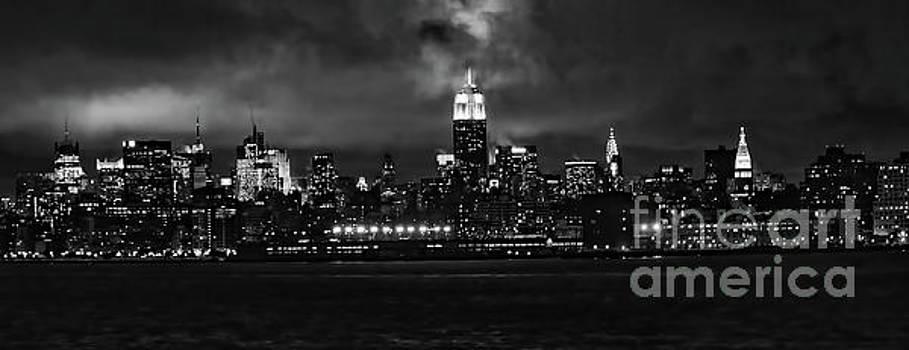 Chuck Kuhn - Black Night Manhattan