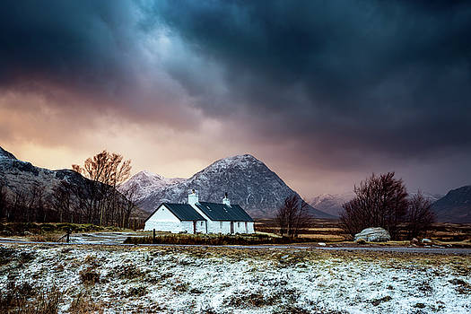 Black Rock Cottage, Glencoe. by Scott Masterton
