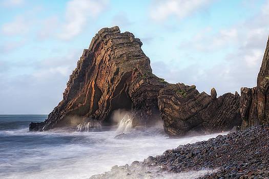 Blackchurch Rock - England by Joana Kruse