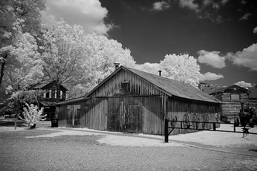 Blacksmith Barn by Paul Bartoszek