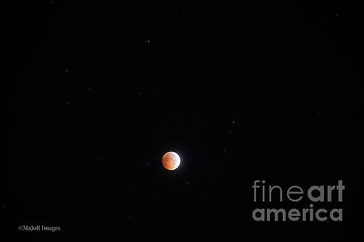Blood Moon Atmosphere by MaJoR Images