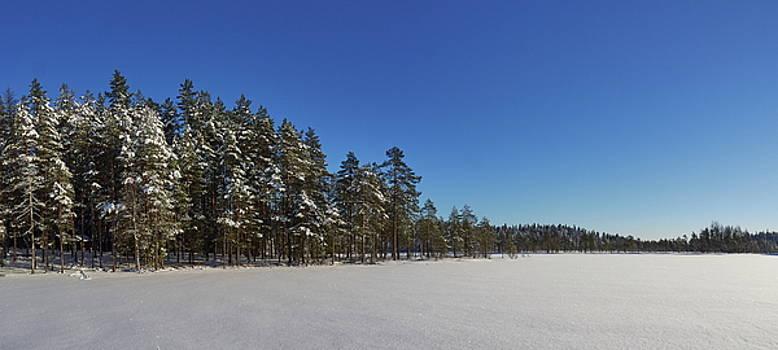 Blue and white panorama by Jouko Lehto