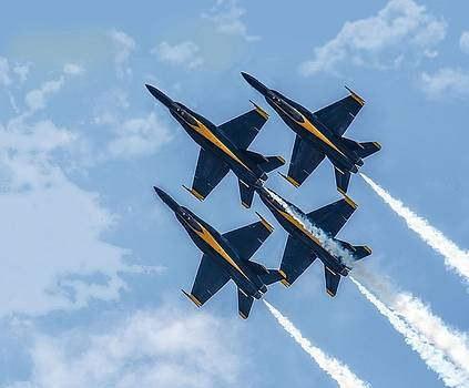 Robert Hayes - Blue Angel Diamond Tight Formation