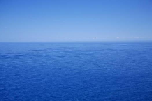 Gaspar Avila - Blue horizon