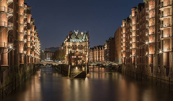 blue hour in old Hamburg by Silke Tuexen