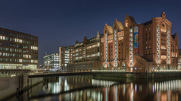 Blue hour old Hamburg by Silke Tuexen