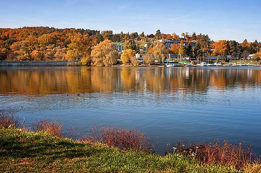 Jenny Rainbow - Blue Lake in Autumn Day
