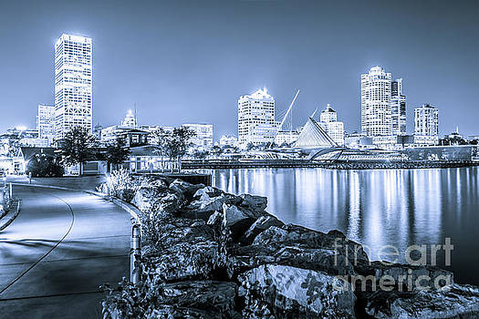 Blue Milwaukee Skyline at Night Picture by Paul Velgos