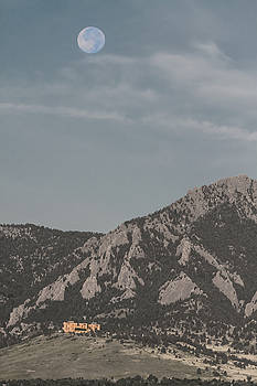 James BO Insogna - Blue Moon Over NCAR Boulder Colorado