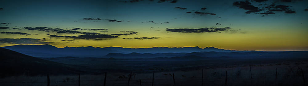 Blue Mountains by John Dickinson
