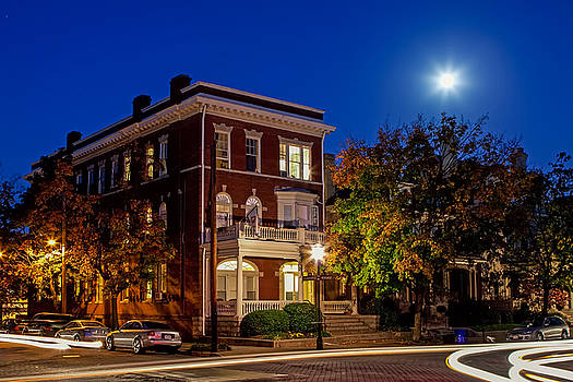 Tim Wilson - Blue Sky and Moon Over Monument Ave
