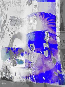 Blue sunglasses by Gabi Hampe