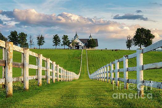 Bluegrass Barn by Anthony Heflin
