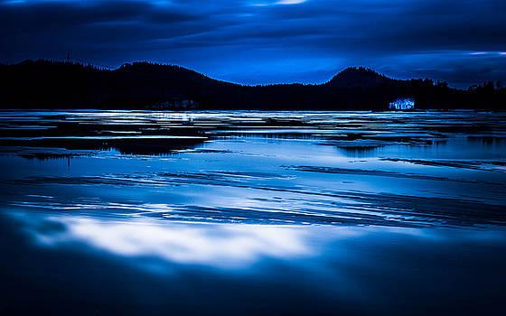 Bluescape by Enzo Paredes