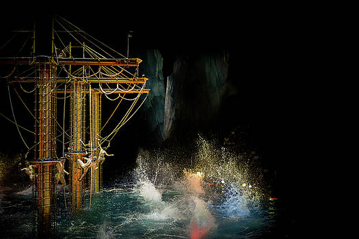 Boat inside a theater by Lucas Dragone