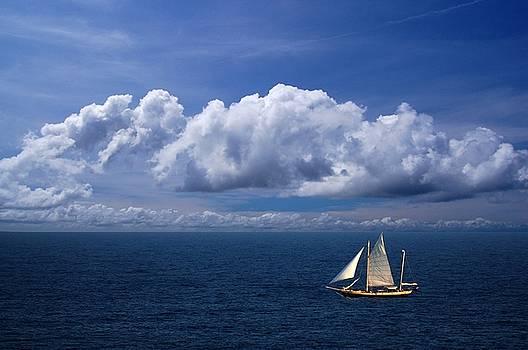 Boat on Blue by David Gunter