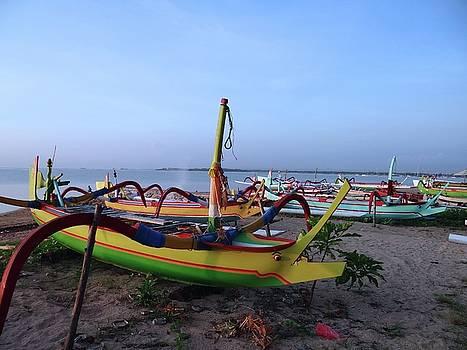 Boats On The Beach by Exploramum Exploramum