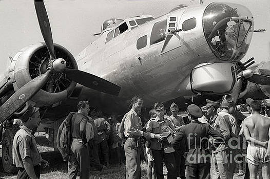 California Views Mr Pat Hathaway Archives - Boeing B-17G Flying Fortress 1944