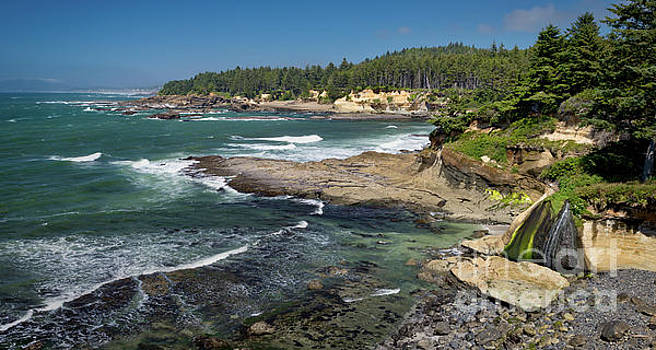Boiler Bay State Scenic Viewpoint  by Jerry Fornarotto