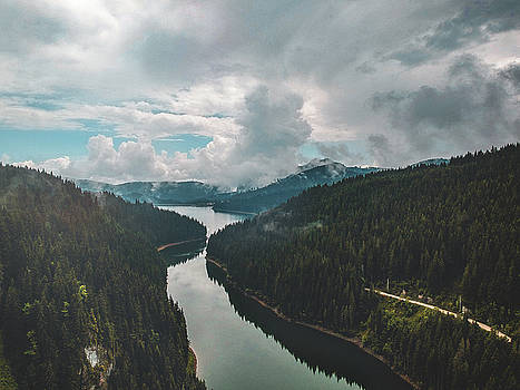 Bolboci Lake by Chris Thodd