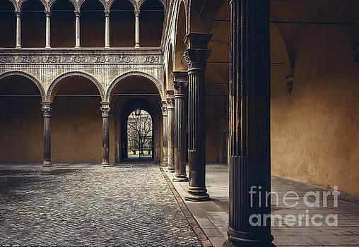 Sophie McAulay - Bologna city courtyard