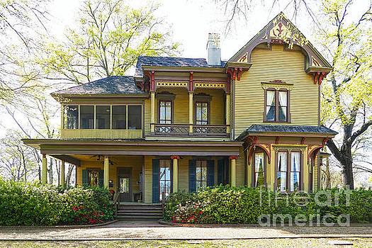 Bonner Whitaker McClendon House, Tyler, Texas by Catherine Sherman