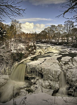 Bonnington Linn by Roddy Atkinson