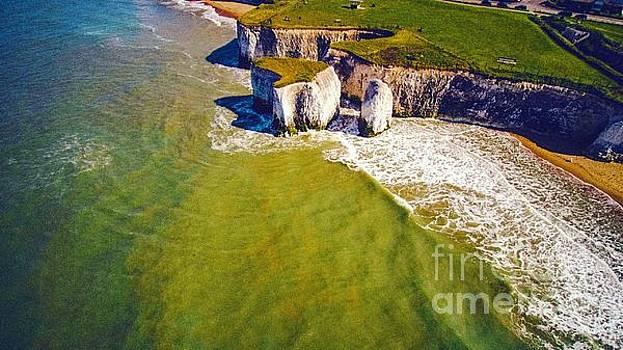 Botany Bay Cliffs I by Owen Hunte