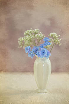 Bouquet of Blues and Whites by Elvira Pinkhas