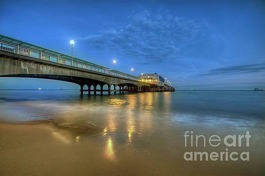 Yhun Suarez - Bournemouth Pier Blue Hour