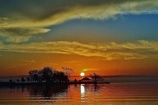 Bowline Sunrise by Thomas McGuire