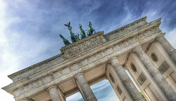 Brandenburg Gate by Dirk Jung