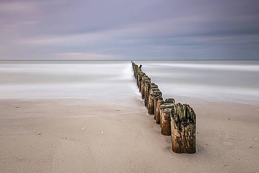 Breakwater by Holger Nimtz