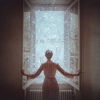 Breathe In  by Anka Zhuravleva