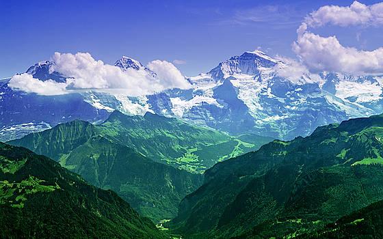 Breathtaking Jungfrau by Mohsen Kamalzadeh