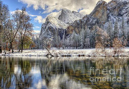 Bridalveil Falls From Valley View Yosemite National Park  by Wayne Moran