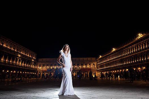 Bride portrait in Venice by Cristian Mihaila