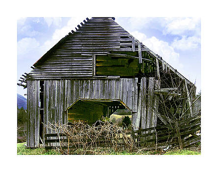 Bridge Creek Barn by Susan Leggett