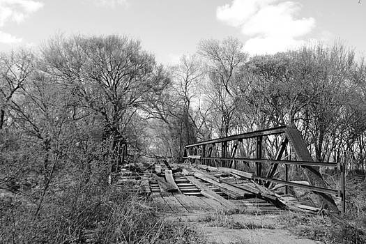 Bridge of Long Ago by Vonda Barnett