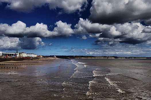 Bridlington Coastline by Sarah Couzens