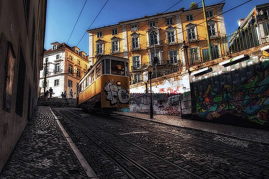 Bright city by Jorge Maia