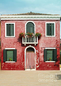 Bright red color house in Venice by Deyan Georgiev