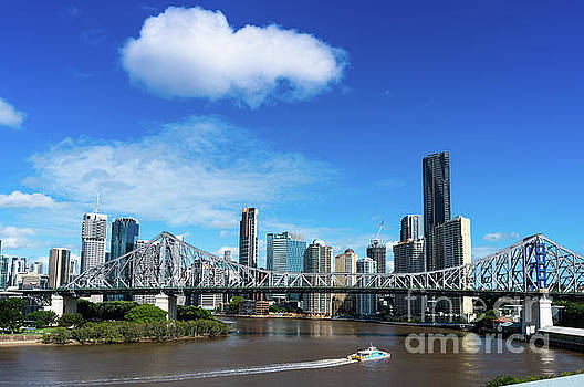Brisbane city skyline  by Andrew Michael