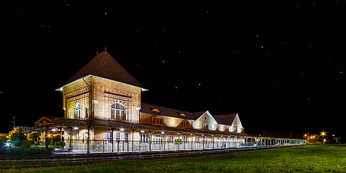 Bristol Train Station at Night by Greg  Booher