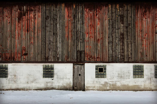 Broad Side of A Barn by Julie Hamilton