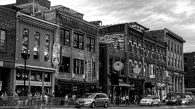 Broadway Street Nashville Tennessee In Black And White by Carol Montoya