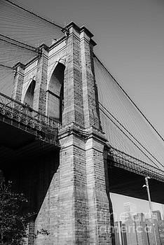 Sonja Quintero - Brooklyn Bridge Black and White I
