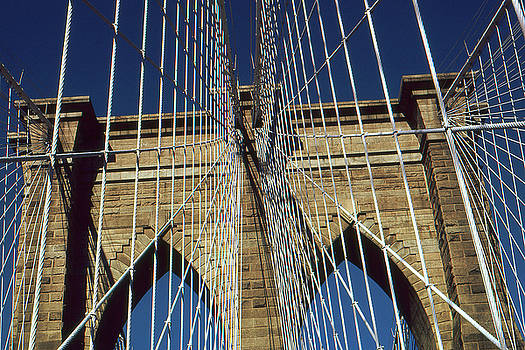 Art America Gallery Peter Potter - Brooklyn Bridge New York City - Architecture