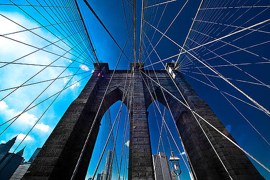 Brooklyn Bridge Vertical by Thomas Splietker