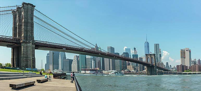 Brooklyn Bridge by William Cruz
